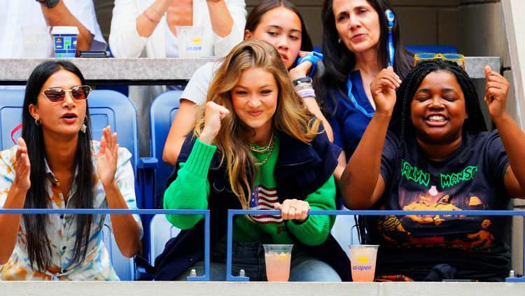 Gigi Hadid saat menonton AS Terbuka 2019. Copyright: Gotham/GC Images
