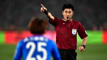 Wasit asal China, Ma Ning akan memimpin laga antara Timnas Indonesia vs Thailand dalam Kualifikasi Piala Dunia 2022. - INDOSPORT