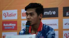 Indosport - Septian David Saat Hadiri Sesi Konferensi Pers Sebelum Pertandingan Melawan PSM Makassar.