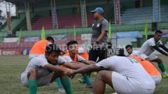 Indosport - Skuat PSMS Medan saat menggelar latihan di Stadion Teladan, Medan, Selasa (10/9/2019) sore.