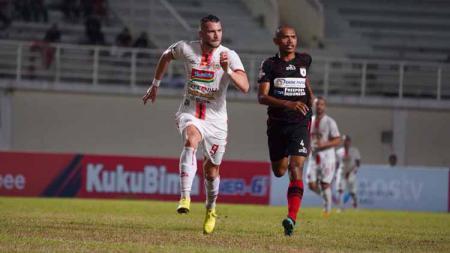 Laga pertandingan Persipura vs Persija Jakarta di Stadion Aji Imbut, Tenggarong, Rabu (11/09/19). - INDOSPORT