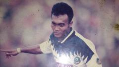 Indosport - Peri Sandria, penggawa Timnas Indonesia yang sukses pada era 90-an.