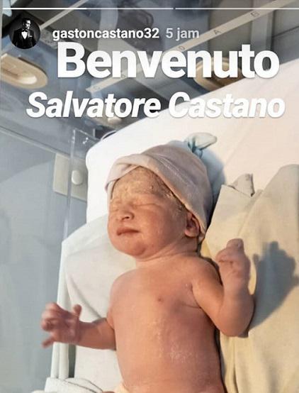 Gaston Castano membagikan momen kelahiran anak keduanya. Copyright: Instagram @gastoncastano32