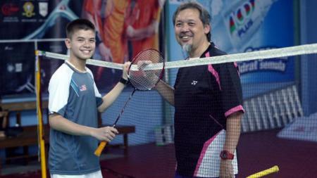Jawara bulutangkis Indonesia Open, Datuk Razif Sidek (kanan), kabarnya telah menawarkan diri untuk menjadi petinggi PBSI-nya Malaysia, Badminton Association of Malaysia (BAM). - INDOSPORT