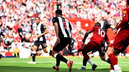 Penyerang Liverpool, Sadio Mane, menahbiskan dirinya sebagai penjaga keangkeran Stadion Anfield pasca menaklukan Newcastle United - INDOSPORT