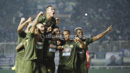 Laga pertandingan Tira-Persikabo vs Persib Bandung pada Liga 1 2019, Sabtu (14/09/19). - INDOSPORT