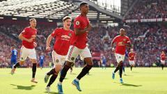 Indosport - Manchester United baru saja mengumukan jika mereka mengalami kerugian sebesar 60 miliar rupiah karena krisis yang diakibatkan oleh pandemi virus Corona.