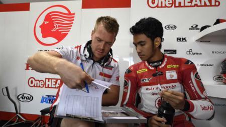 Pembalap Indonesia, Andi Gilang, finis di urutan ke-19 di ajang Moto2 Catalan hari Minggu (27/09/20) lalu. - INDOSPORT