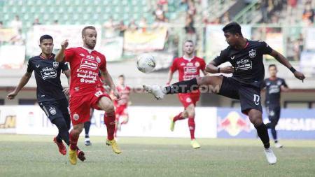Jalannya pertandingan antara Persija Jakarta vs PSIS Semarang di pekan ke-18 Shopee Liga 1 2019. - INDOSPORT