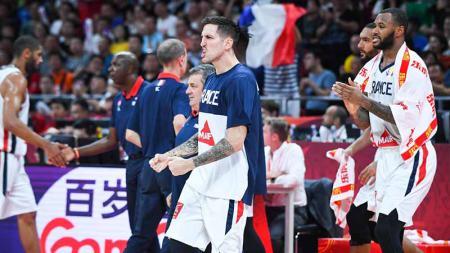 Selebrasi Tim Basket Prancis merayakan kemenangan usai meraih gelar juara ketiga FIBA World Cup 2019 setelah mengalahkan Australia. - INDOSPORT
