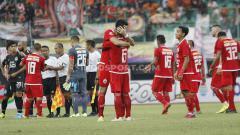 Indosport - Pemain Persija Jakarta merayakan kemenagan atas PSIS Semarang pada pertandingan Liga 1 di Stadion Patriot Bekasi, Minggu (15/09/19).