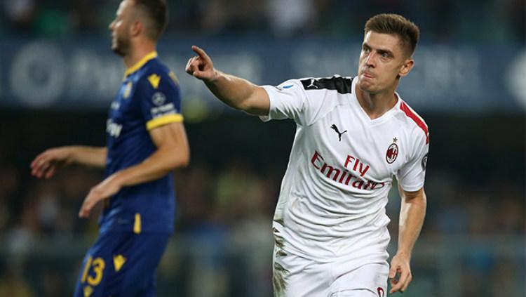 Krzysztof Piatek mencetak gol pada laga Hellas Verona vs AC Milan pada giornata ke-3 Serie A Italia 2019/20, Senin (16/09/19) dini hari WIB, di Stadio Marc'Antonio Bentegodi. Copyright: acmilan.com