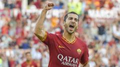 Indosport - Arsenal kabarnya telah menolak tawaran AS Roma untuk mempermanenkan Henrikh Mkhitaryan.