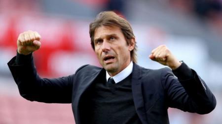 Antonio Conte, pelatih Inter Milan, jawab kemungkinan memulangkan pemain impian, Zlatan Ibrahimovic. - INDOSPORT