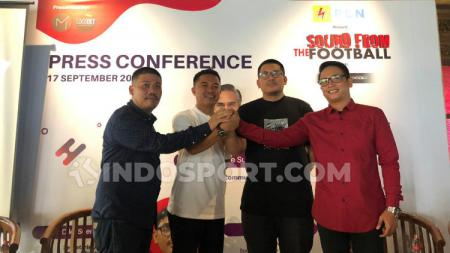 Press Conference, acara musik komunitas supporter bertajuk, 'Sound From The Football' siap meluncur perdana pada, Sabtu (20/9/19) di Ballroom, Mall Kuningan City, Jakarta Selatan. - INDOSPORT