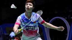 Indosport - Pebulutangkis tunggal putra China, Shi Yuqi tersingkir oleh rekan senegaranya Lu Guangzu di babak pertama China Open 2019, Rabu (18/9/19).