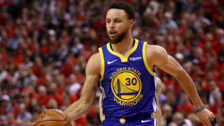 Stephen Curry, pemain basket Golden State Warriors dan Timnas AS. - INDOSPORT