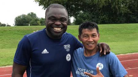 Legenda sepak bola Indonesia, Marwal Iskandar, mengaku komunikasinya dengan suporter tim yang sempat dibelanya masih tetap terjaga hingga saat ini. - INDOSPORT