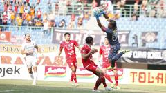 Indosport - Laga pertandingan antara Persija Jakarta vs Bali United pada Liga 1 di Stadion Patriot, Bekasi, Kamis (19/09/19).