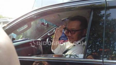 Detik-detik Imam Nahrawi meninggalkan Gedung Kemenpora RI dan menuju rumah dinas untuk melakukan pengepakan barang-barang pribadinya. - INDOSPORT
