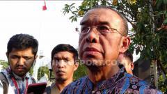 Indosport - Sekretaris Kemenpora RI, Gatot S Dewa Broto mengeluarkan air mata dan mengaku bersedih dengan mundurnya Imam Nahrawi dari jabatannya sebagai Menteri Pemuda dan Olahraga Republik Indonesia.