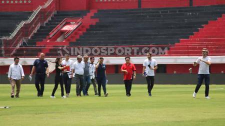 Kunjungan perwakilan FIFA bersama PSSI serta Bali United di Stadion Kapten I Wayan Dipta Gianyar, Kamis (19/09/19). - INDOSPORT