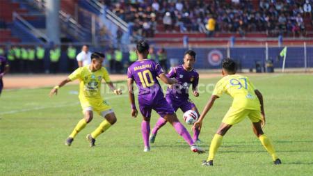 Laga pertandingan antara Persik Kediri vs Persiba Balikpapan di Liga 1, Kamis (19/09/19). - INDOSPORT