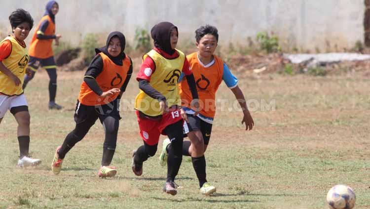 PSIS lakukan seleksi untuk mengikuti Liga 1 Putri. Copyright: Alvin Syaptia Pratama/INDOSPORT