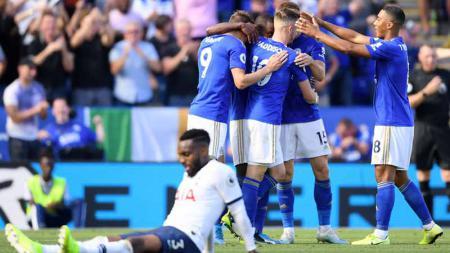 Dianggap kalah karena VAR, pelatih Tottenham Hotspur, Mauricio Pochettino, hanya bisa pasarah di laga pekan keenam Liga Inggris 2019/20. - INDOSPORT
