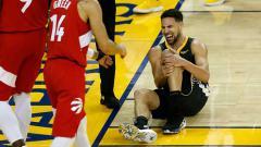 Indosport - Bintang Golden State Warriors, Klay Thompson banting setir jadi reporter NBA.