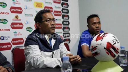 Aji Santoso memberi keterangan sebelum laga PSIM Yogyakarta vs Madura FC. - INDOSPORT