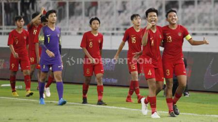 Timnas Indonesia U-16 saat merayakan keberhasilan lolos ke putaran final Piala Asia U-16 2020. Herry Ibrahim/INDOSPORT. - INDOSPORT