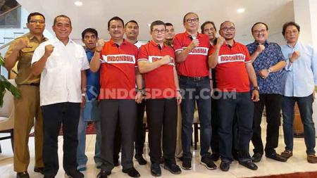 Rahim Soekasah dan Doli Sinomba maju dalan perebutan kursi Ketua Umum PSSI. - INDOSPORT