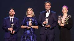 Indosport - Pemain dan pelatih yang meraih penghargaan The Best FIFA Football Awards 2019 Lionel Messi, Jill Ellis, Jurgen Klopp, dan Megan Rapinoe di Teatro alla Scala, Selasa (23/09/19) Simon Hofmann - FIFA/FIFA via Getty Images