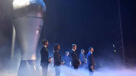 Deretan pemain pesepak bola yang sudah pernah mendapatkan trofi The Best FIFA Football Awards 2019 di Teatro alla Scala, Selasa (23/09/19) Tullio Puglia - FIFA/FIFA via Getty Images