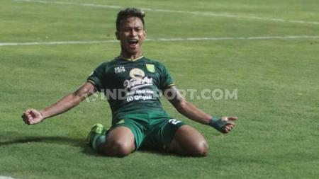 Pemain Klub Liga 1 Persebaya Surabaya, Osvaldo Haay, sejak 8 Oktober 2019 tidak terlihat bersama dengan tim Bajul Ijo. Kemana pemain asal Papua ini sekarang? - INDOSPORT