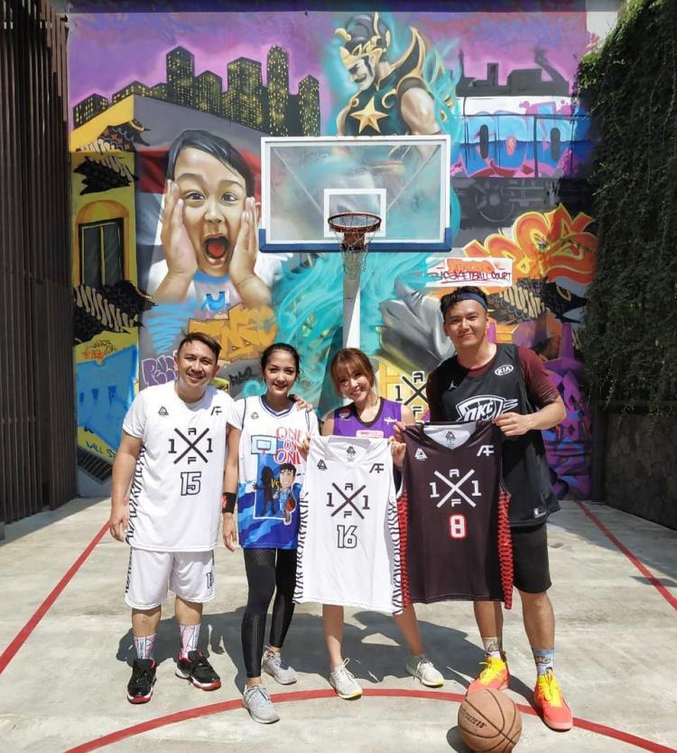 Lapangan basket milik Augie Copyright: Instagram.com/augiefantinus