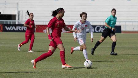 Pemain Timnas Senior Wanita Indonesia, Shalika Aurelia, akan menjalani delapan sesi latihan sebelum lolos seleksi West Ham United Women's FC - INDOSPORT