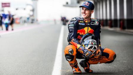 Pembalap MotoGP asal tim KTM, Pol Espargaro, ternyata memiliki cerita saat dirinya merasa dibohongi bakal memiliki kesempatan untuk menggantikan Valentino Rossi. - INDOSPORT