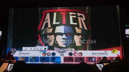 Alter Ego saat melawan ONIC eSports di babak 8 besar MPL season 4, Sabtu (28/09/19) di MPL Arena. - INDOSPORT