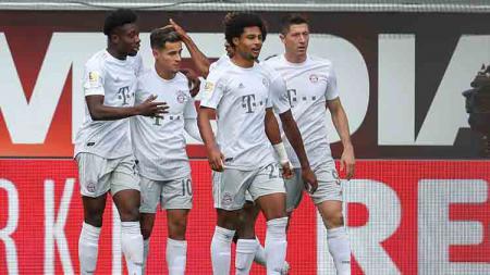 Selebrasi para pemain Bayern Munchen usai membobol gawang Paderborn. - INDOSPORT
