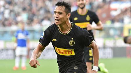 Alexis Sanchez akan menjadi kado terindah sebelum natal bagi klub Serie A Liga Italia Inter Milan karena dipastikan sembuh dari cedera. - INDOSPORT