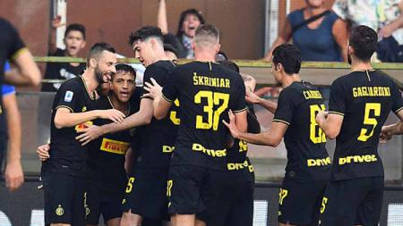 Usai jalankan tugas internasional, Inter Milan dan Atalanta mendapat kabar buruk karena dipastikan bakal ditinggal pemainnya akibat cedera. - INDOSPORT