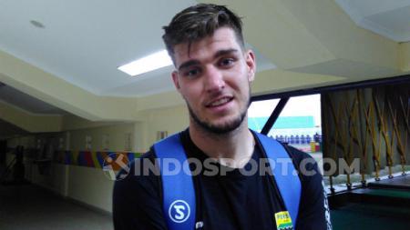 Bek Persib, Nick Kuipers di Stadion Si Jalak Harupat, Kabupaten Bandung, Sabtu (28/9/19). - INDOSPORT