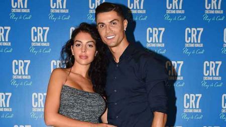 Pasangan kekasih Cristiano Ronaldo dan Georgina Rodriguez - INDOSPORT