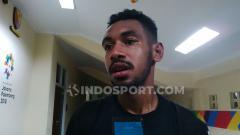 Indosport - Pemain muda Persib Bandung, Julius Josel di Stadion Si Jalak Harupat, Kabupaten Bandung, Sabtu (28/9/19).