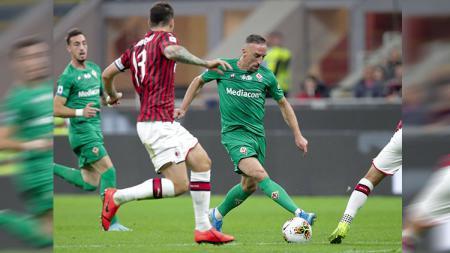 Aksi Franck Ribery di laga AC Milan vs Fiorentina, Senin (30/09/19). - INDOSPORT