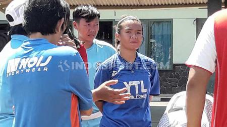 Atlet karate yg menjadi skuat Arema FC, Cicilia Btari Regina Mahendra. - INDOSPORT