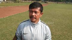 Indosport - Pelatih Timnas Indonesia U-22, Indra Sjafri, turut merasakan euforia pengumuman menteri di kabinet Presiden Joko Widodo, Rabu (23/10/19).