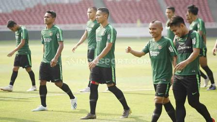 Para pemain Timnas Indonesia Senior tampak santai jalani TC pertama di Stadion Gelora Bung Karno1.